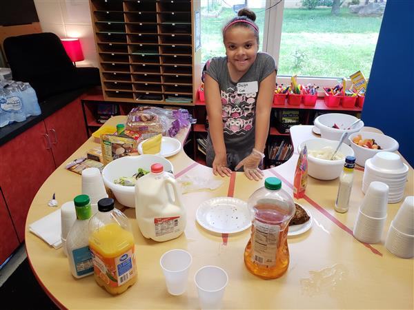 Weller restaurants give fourth-graders management, job experience