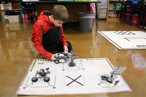 Mars Mission Robotics Class Challenges Gifted Students To Design
