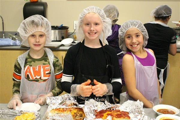 Sherwood third-graders open restaurant in their school, Taste of Missouri
