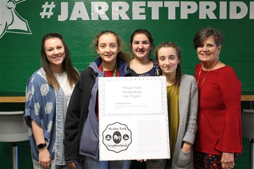 Jarrett student artists design neighborhood sign for Meador Park, pop-up art show