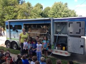 Mobile Dairy Classroom visits SPS students