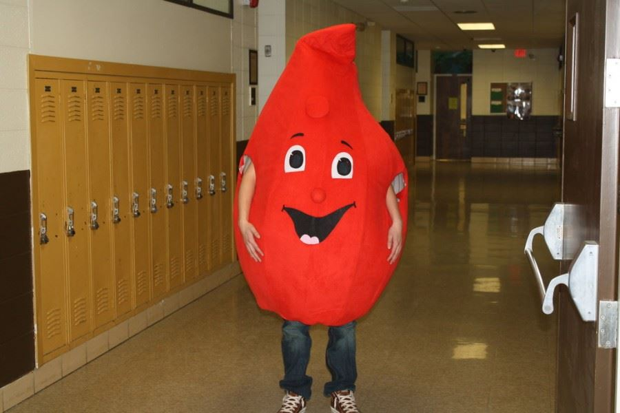 Blood drives at SPS continue in the summer
